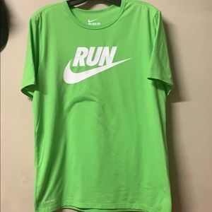 Mens Medium Nike Run Shirt